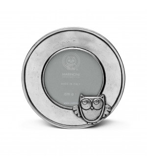 Pewter round baby picture frame with owl ø 10,5 cm (ø 7 cm)