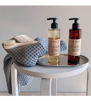 Shampoo & Body Wash set with tray