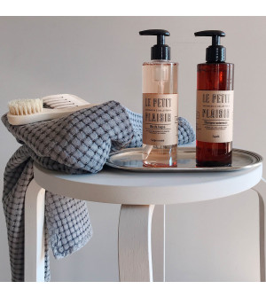 Shampoo & Amber Body Wash set with tray